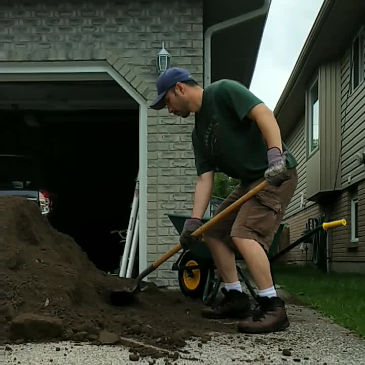 squat shovelling
